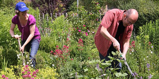 Gartenarbeit - Foto: NABU/Christine Kuchem